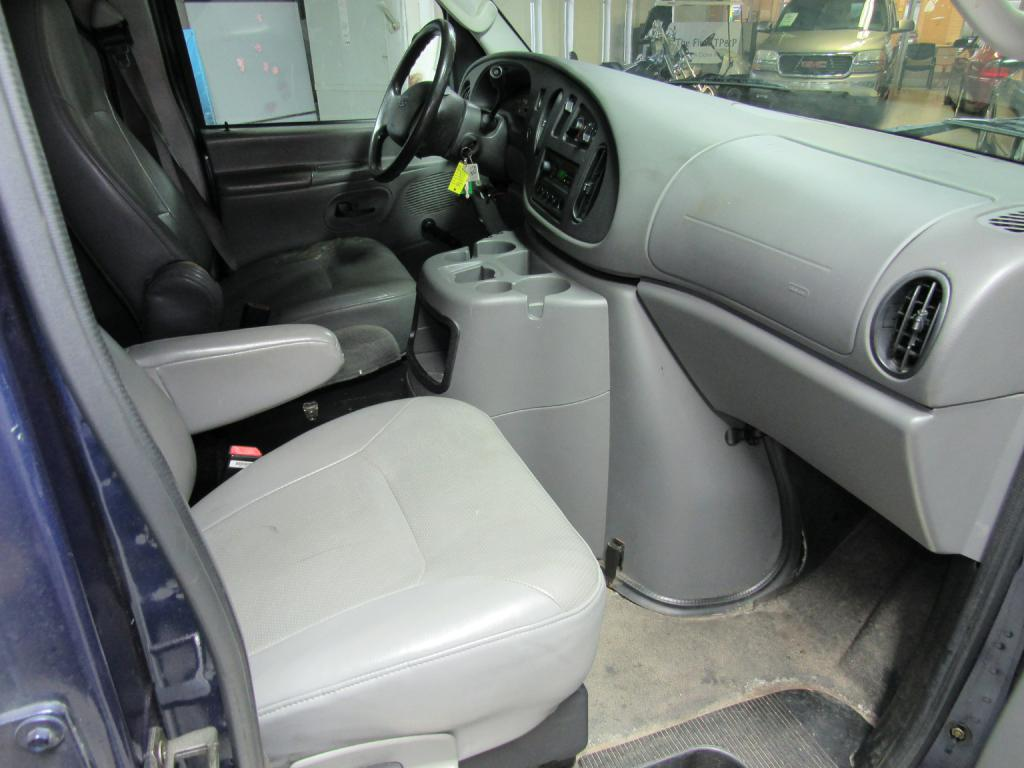 2005 FORD ECONOLINE E150 VAN for sale at KNH Auto Sales