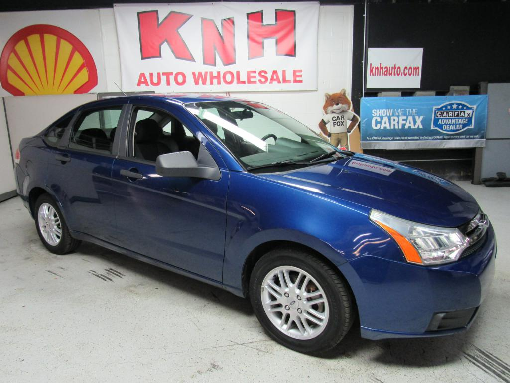 2009 FORD FOCUS SE for sale at KNH Auto Sales