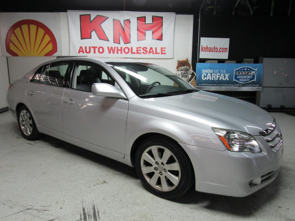 2006 TOYOTA AVALON XL for sale at KNH Auto Sales