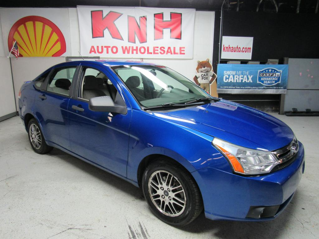 2010 FORD FOCUS SE for sale at KNH Auto Sales