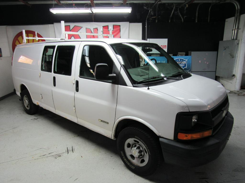 2006 CHEVROLET EXPRESS G3500  for sale at KNH Auto Sales