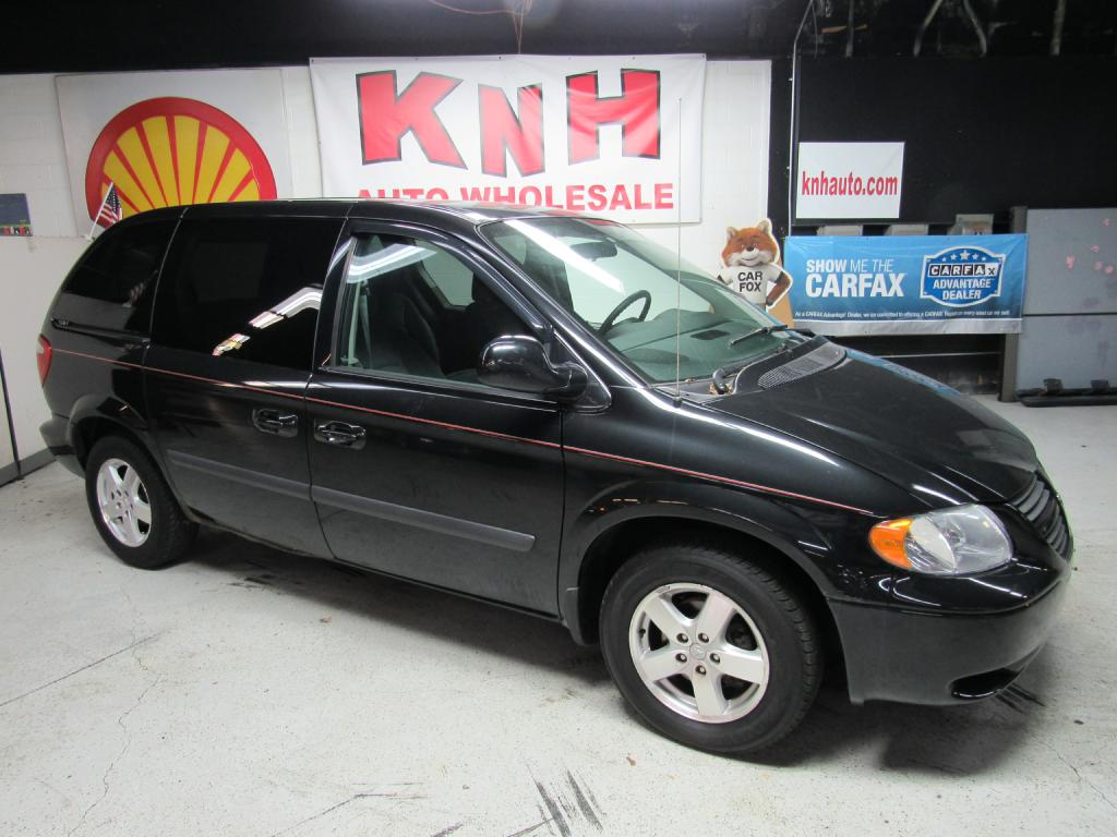 2006 DODGE CARAVAN SXT for sale at KNH Auto Sales