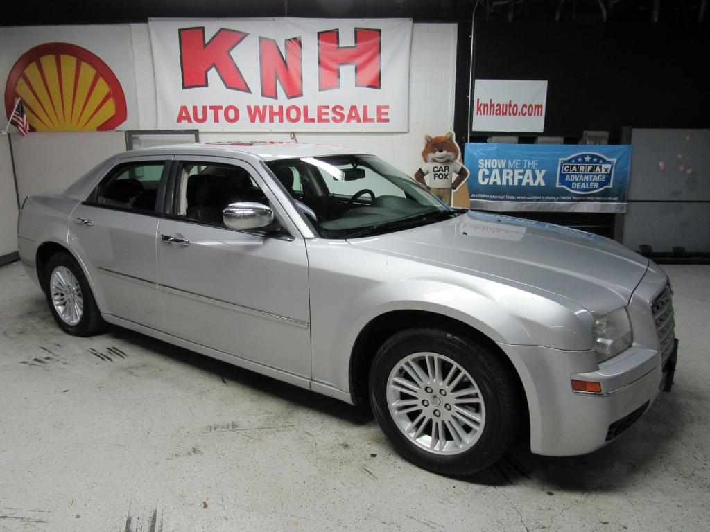 2009 CHRYSLER 300 TOURING for sale at KNH Auto Sales