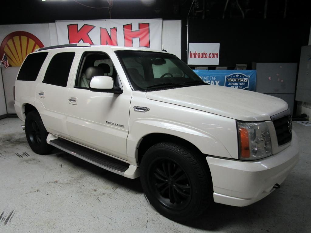 2003 CADILLAC ESCALADE LUXURY for sale at KNH Auto Sales