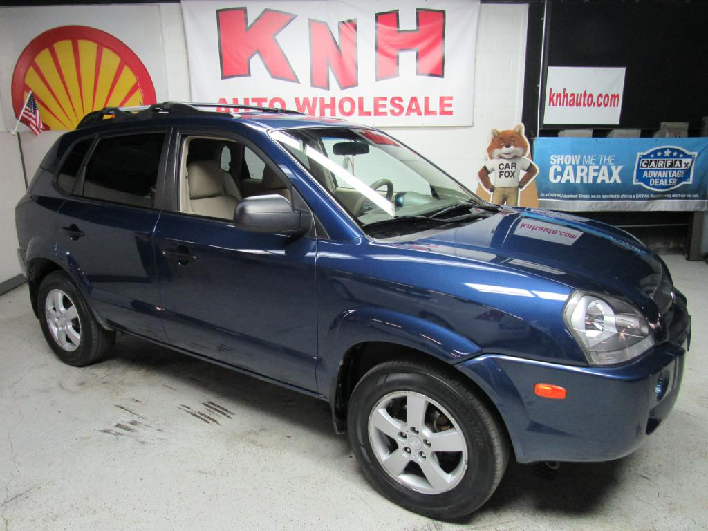 2006 HYUNDAI TUCSON GL for sale at KNH Auto Sales