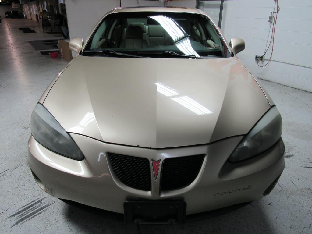 2004 PONTIAC GRAND PRIX GTP for sale at KNH Auto Sales