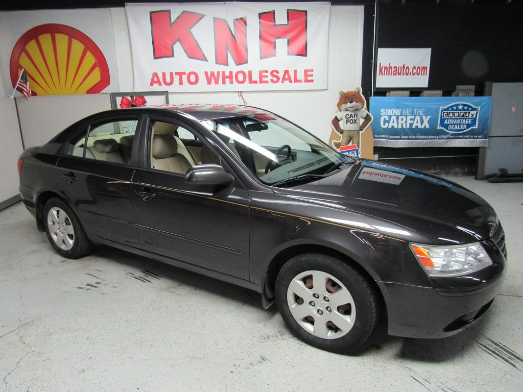 2009 HYUNDAI SONATA GLS for sale at KNH Auto Sales