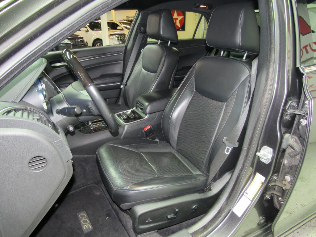 2013 CHRYSLER 300C  for sale at KNH Auto Sales