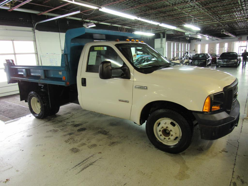 2006 FORD F350 SUPER DUTY for sale at KNH Auto Sales