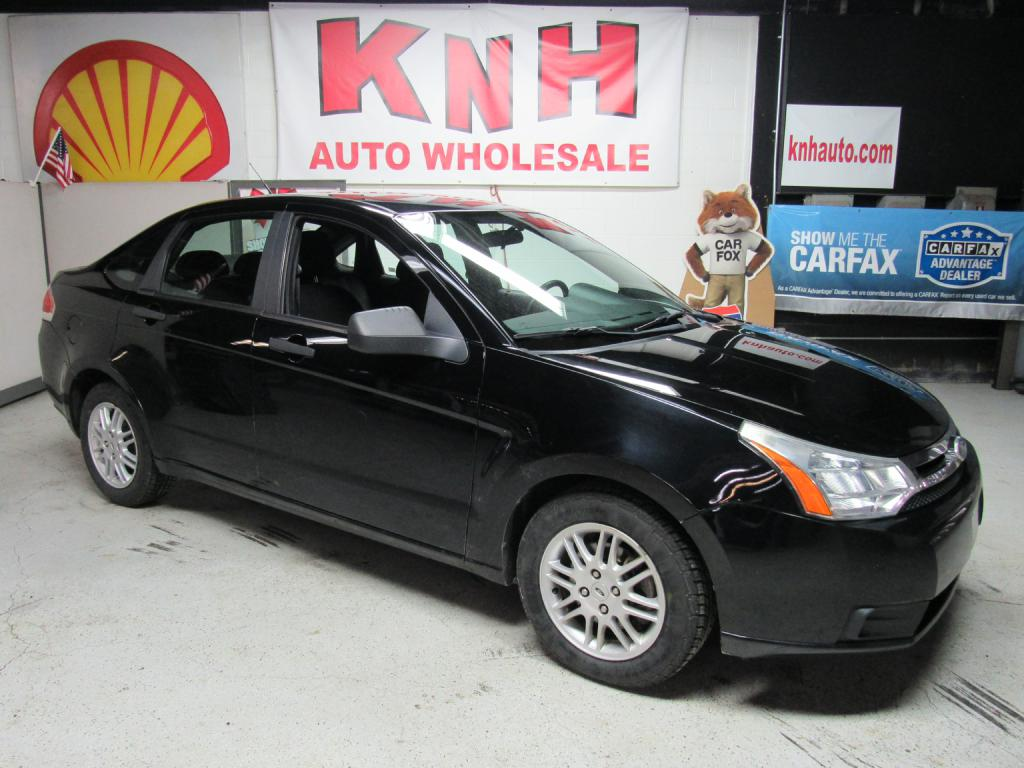 2011 FORD FOCUS SE for sale at KNH Auto Sales