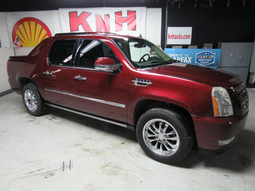 2007 CADILLAC ESCALADE EXT for sale at KNH Auto Sales
