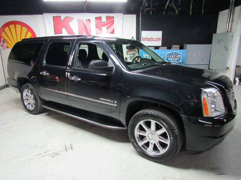 2009 GMC YUKON XL DENALI for sale at KNH Auto Sales