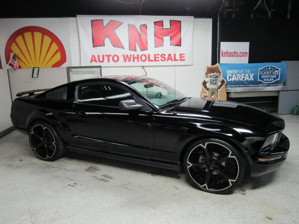 2006 FORD MUSTANG  for sale at KNH Auto Sales