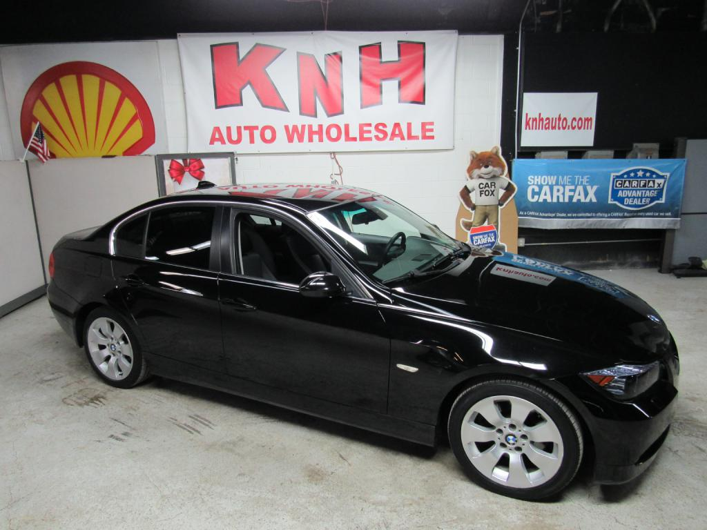 2006 BMW 330 XI for sale at KNH Auto Sales