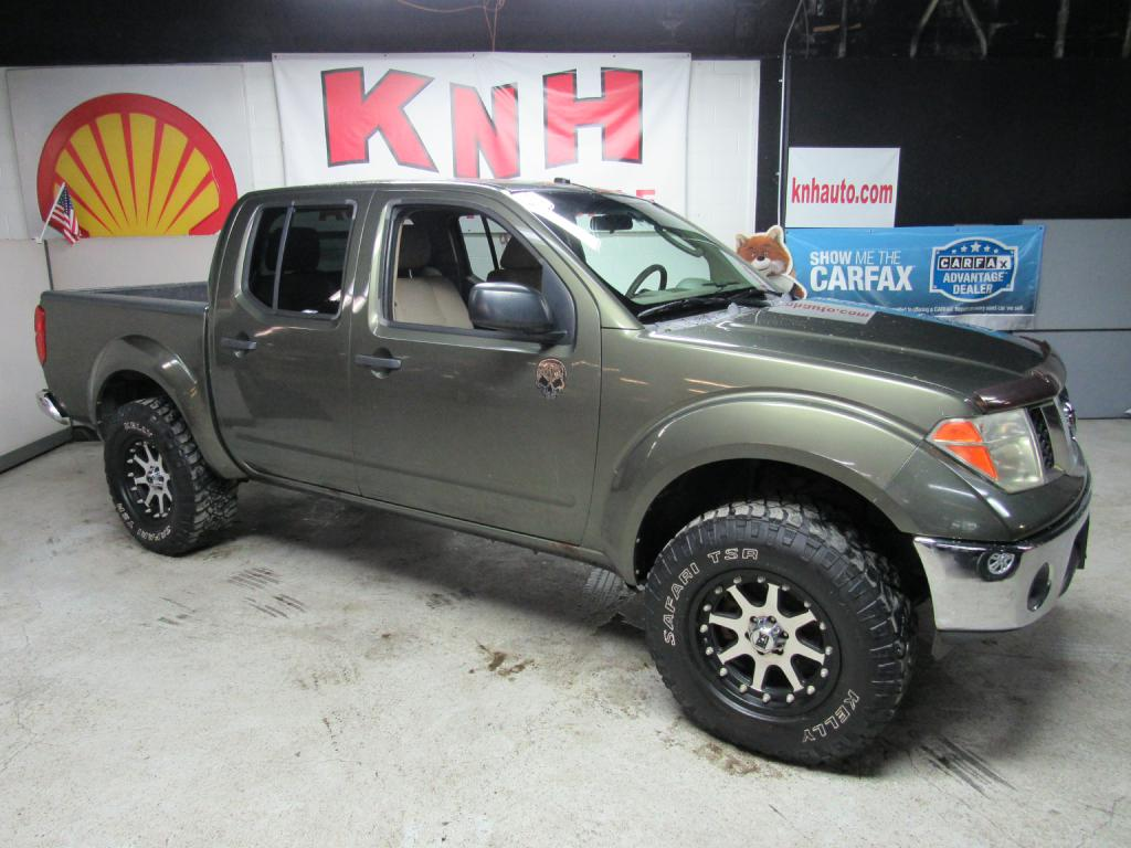 2005 NISSAN FRONTIER CREW CAB LE for sale at KNH Auto Sales