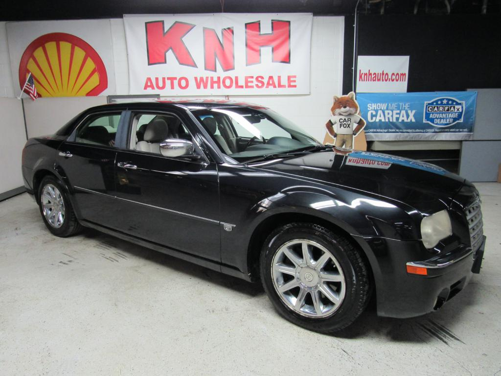 2006 CHRYSLER 300C  for sale at KNH Auto Sales
