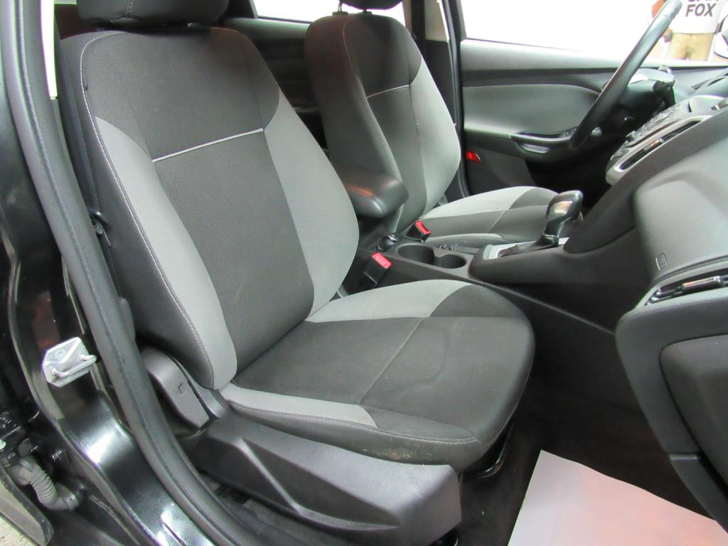 2013 FORD FOCUS SE for sale at KNH Auto Sales