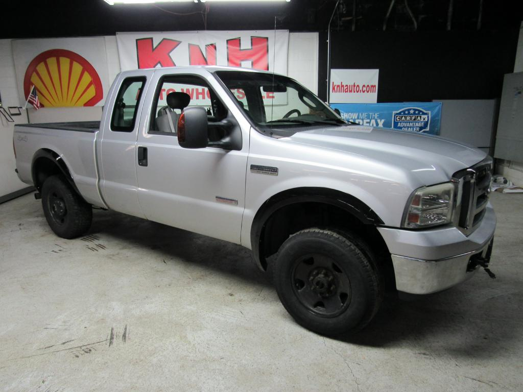 2006 FORD F250 SUPER DUTY for sale at KNH Auto Sales