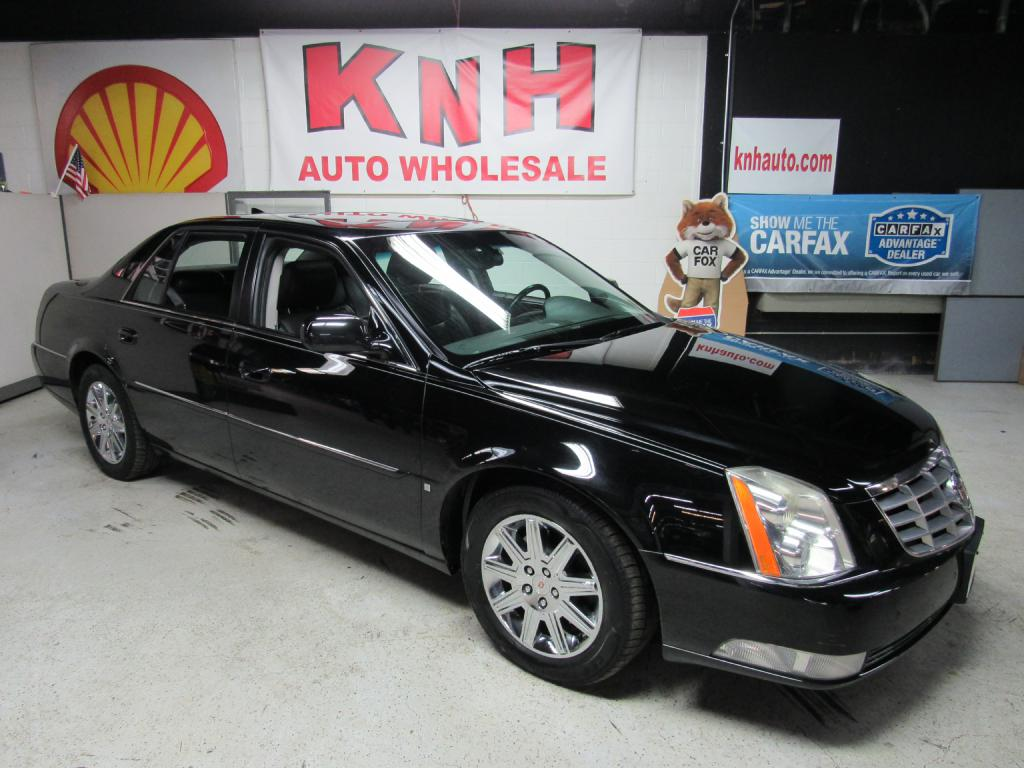 2009 CADILLAC DTS  for sale at KNH Auto Sales