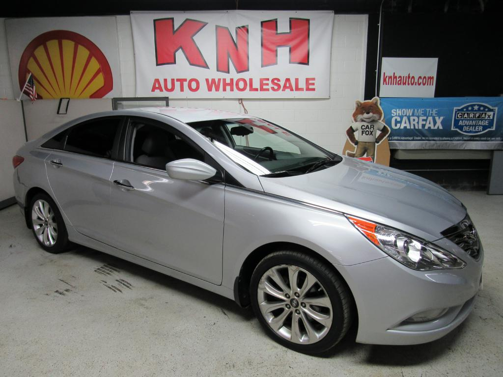 2013 HYUNDAI SONATA SE for sale at KNH Auto Sales