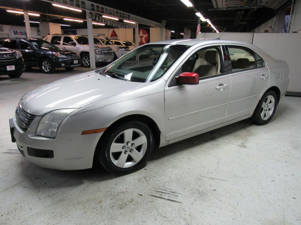 2007 FORD FUSION SE for sale at KNH Auto Sales