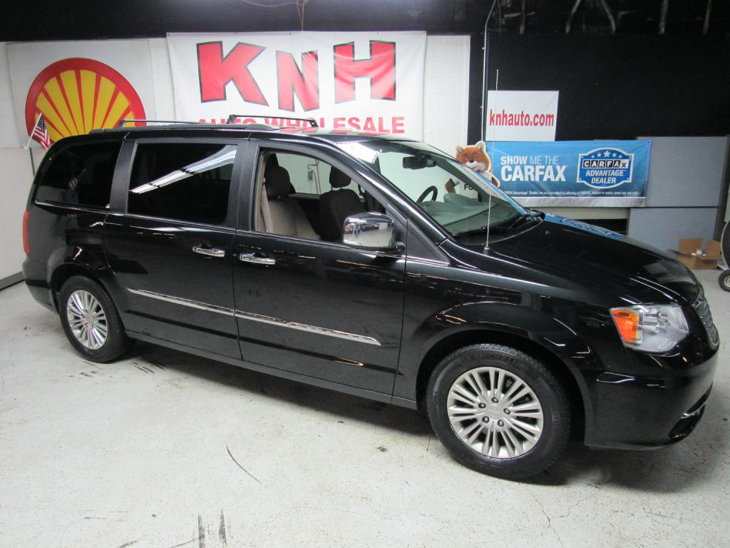2015 CHRYSLER TOWN & COUNTRY TOURING L for sale at KNH Auto Sales