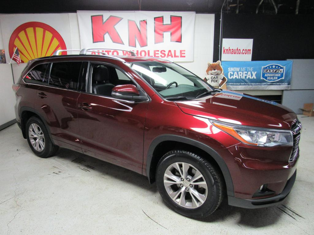 2015 TOYOTA HIGHLANDER XLE for sale at KNH Auto Sales
