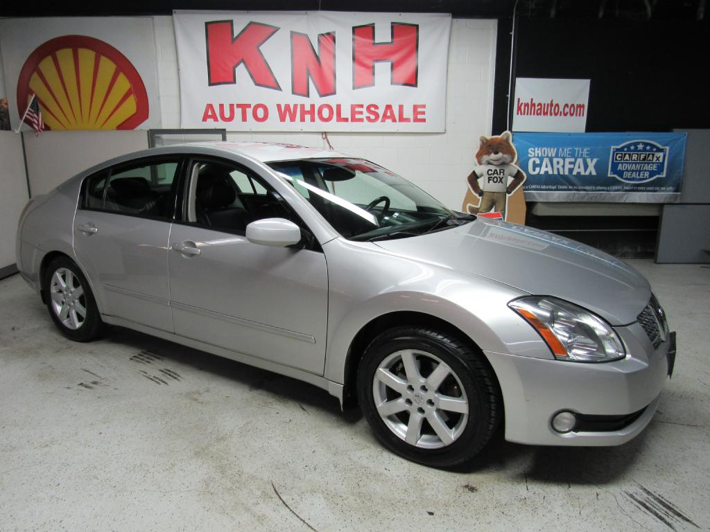 2005 NISSAN MAXIMA SE for sale at KNH Auto Sales