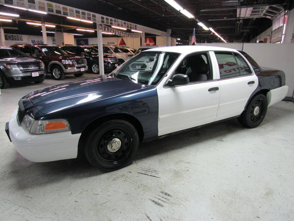 2011 FORD CROWN VICTORIA POLICE INTERCEPTOR for sale at KNH Auto Sales