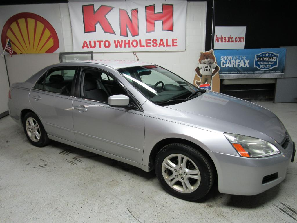 2006 HONDA ACCORD SE for sale at KNH Auto Sales