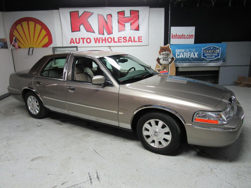 2004 MERCURY GRAND MARQUIS LS for sale at KNH Auto Sales