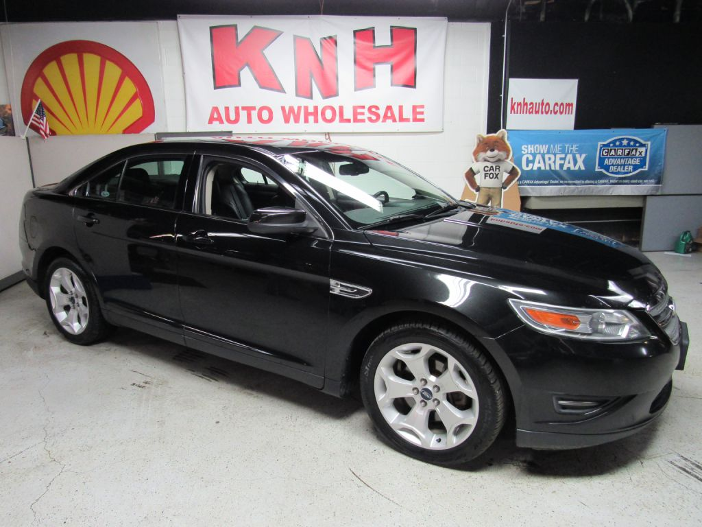 2011 FORD TAURUS SEL for sale at KNH Auto Sales