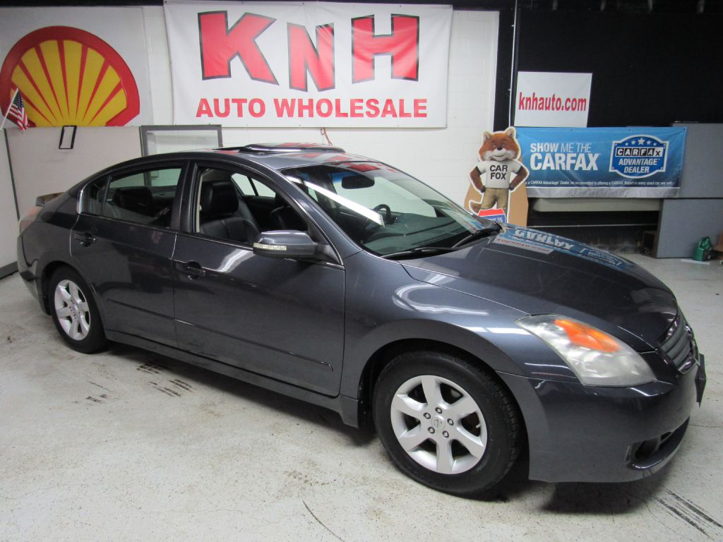 2008 NISSAN ALTIMA 3.5SL for sale at KNH Auto Sales
