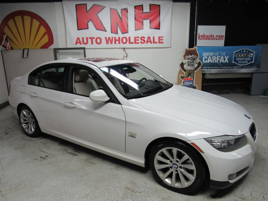 2009 BMW 328 XI SULEV for sale at KNH Auto Sales