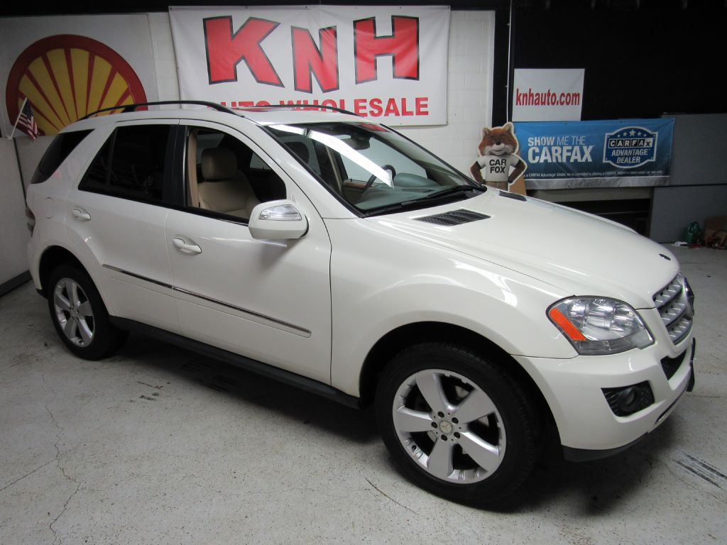 2009 MERCEDES-BENZ ML 350 for sale at KNH Auto Sales