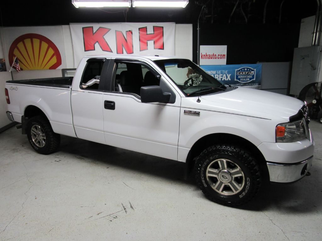 2008 FORD F150 SUPER CAB XLT for sale at KNH Auto Sales