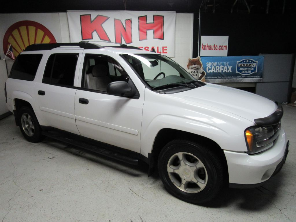 2006 CHEVROLET TRAILBLAZER EXT LS for sale at KNH Auto Sales
