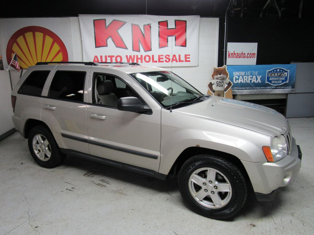 2007 JEEP GRAND CHEROKEE LAREDO for sale at KNH Auto Sales