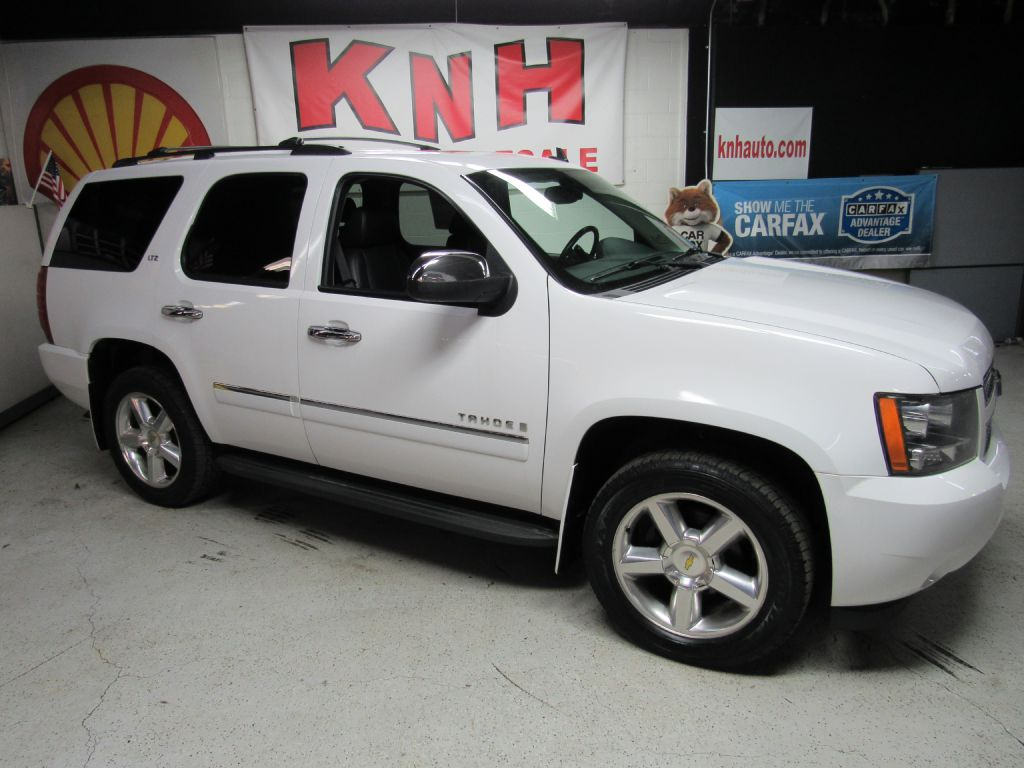 2009 CHEVROLET TAHOE 1500 LTZ for sale at KNH Auto Sales