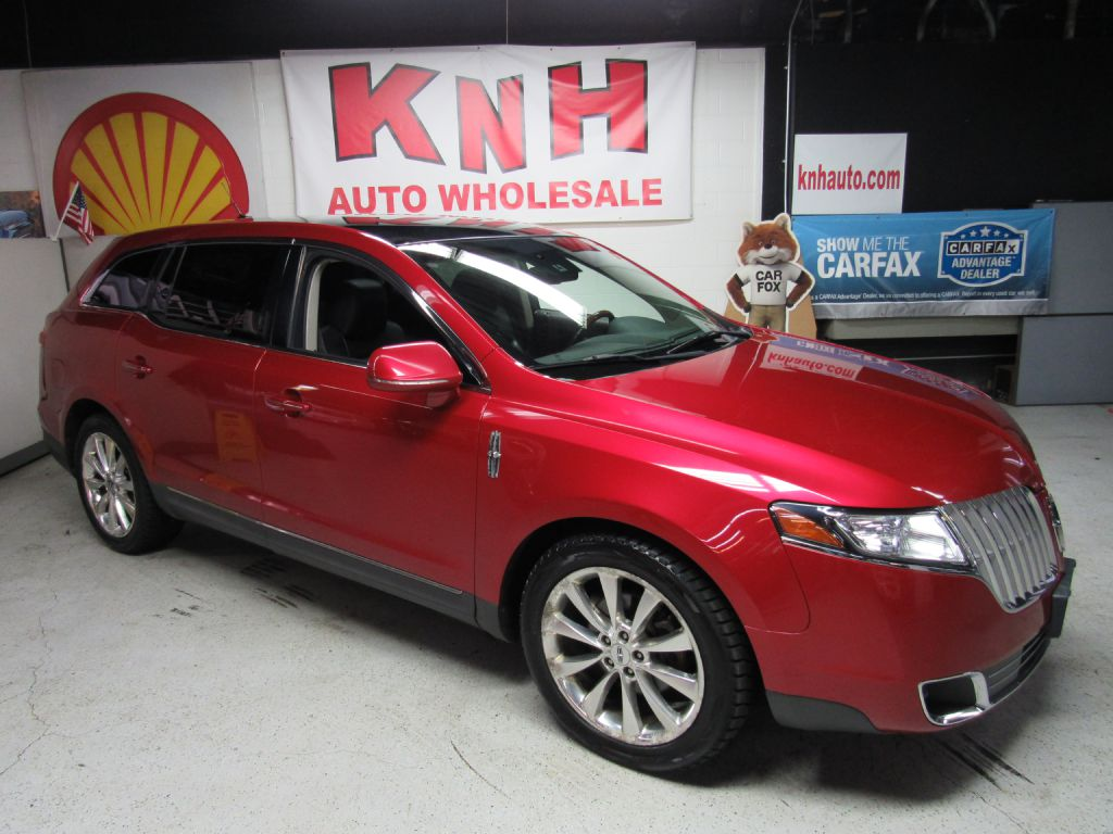 2010 LINCOLN MKT  for sale at KNH Auto Sales