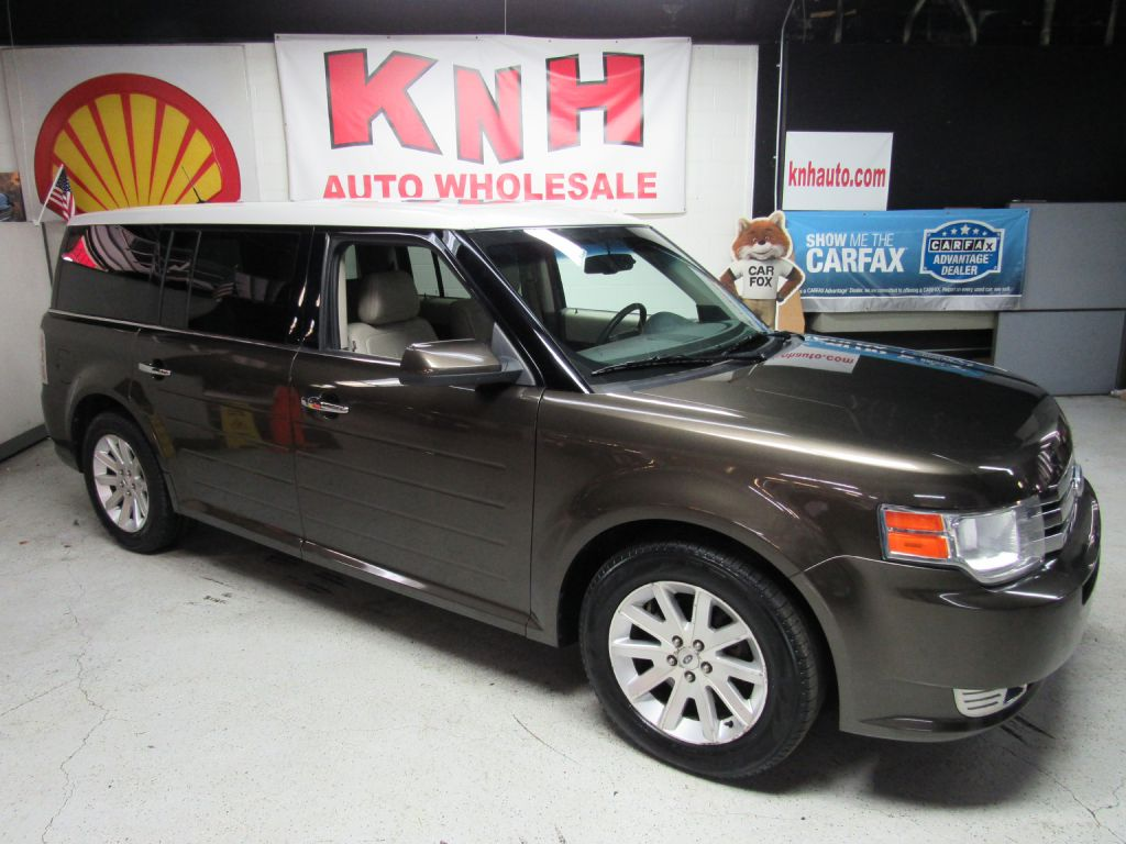 2011 FORD FLEX SEL for sale at KNH Auto Sales