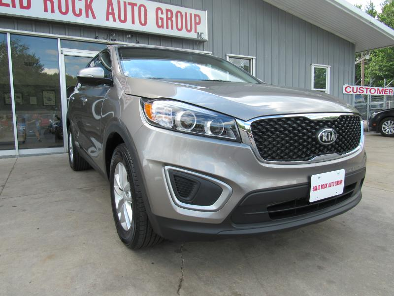 2017 KIA SORENTO LX for sale in Garrettsville, Ohio