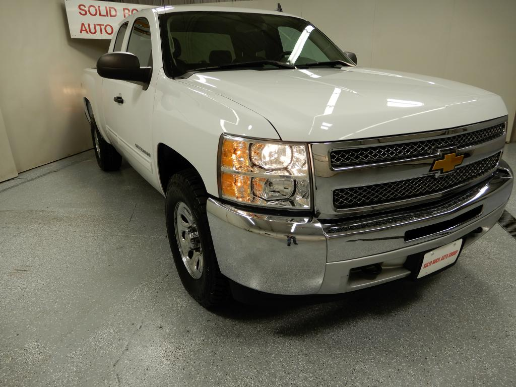 2012 CHEVROLET SILVERADO 1500  LS EXT CAB  4x4 for sale in Garrettsville, Ohio