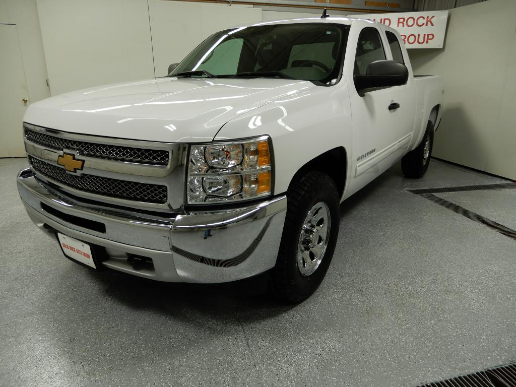 2012 CHEVROLET SILVERADO 1500  LS EXT CAB  4x4 for sale at Solid Rock Auto Group
