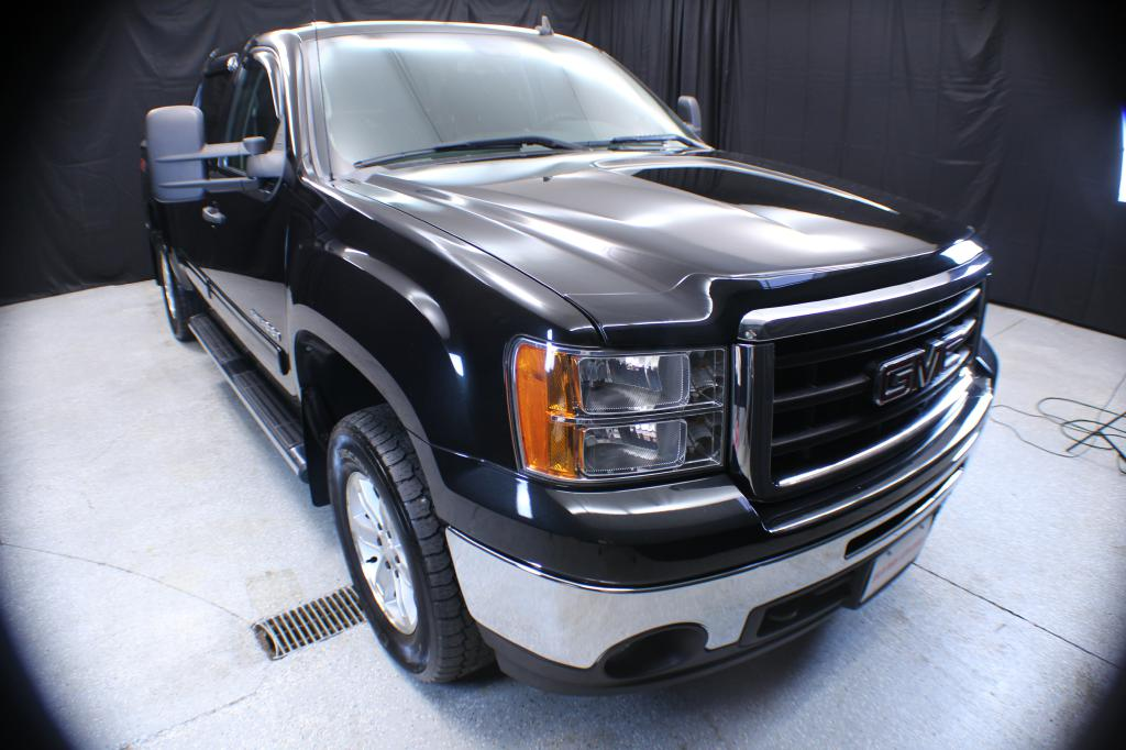 2010-GMC-SIERRA-1500 SLE CREW CAB 4X4-FOR-SALE-Garrettsville-Ohio for sale at Solid Rock Auto Group