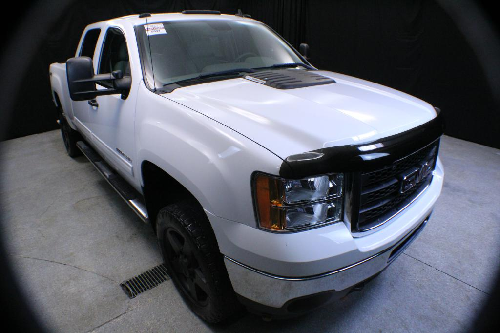 2011 GMC SIERRA 2500 SLE DURAMAX 4X4 for sale in Garrettsville, Ohio