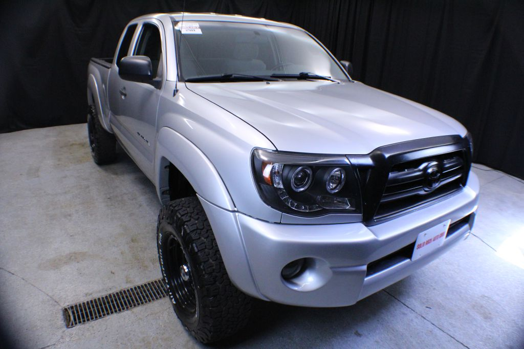 2005 TOYOTA TACOMA ACCESS MANUAL for sale in Garrettsville, Ohio
