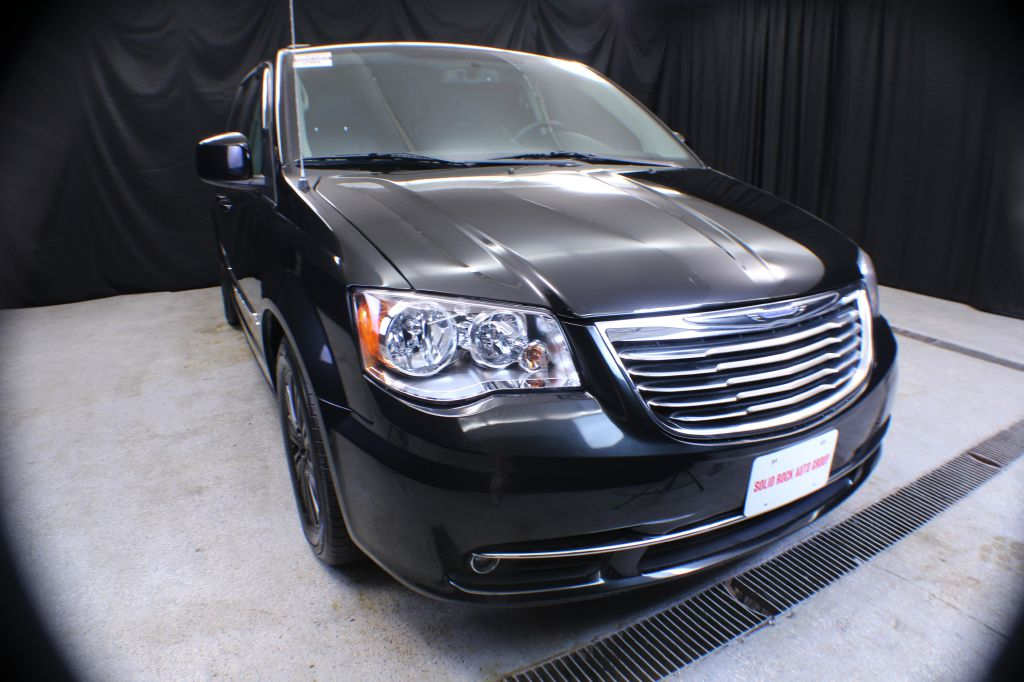 2014 CHRYSLER TOWN & COUNTRY for sale at Solid Rock Auto Group