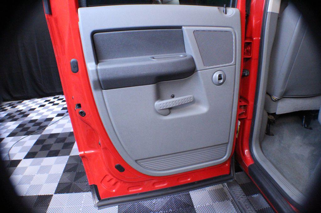2006 DODGE RAM 2500 Slt QUAD CAB 4X4 for sale at Solid Rock Auto Group