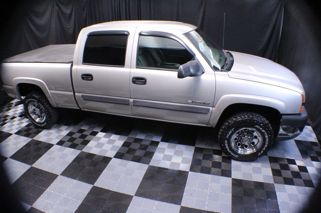 2004 CHEVROLET SILVERADO 2500  HEAVY DUTY for sale at Solid Rock Auto Group